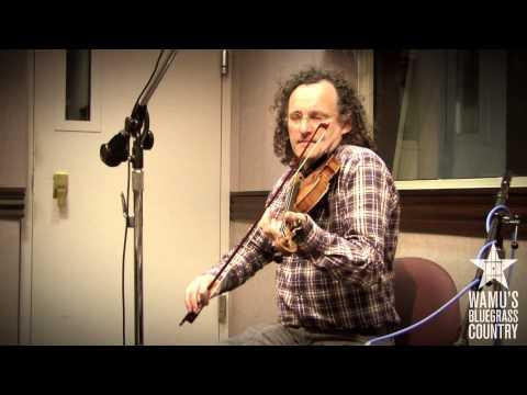 Martin Hayes & Dennis Cahill - O'Carolan's Farewell To Music [Live At WAMU's Bluegrass Country]