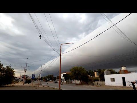 Giant Cloud Rolls Through Neighborhood. Your Daily Dose Of Internet. #Video