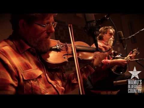 Tim O'Brien & Darrell Scott - Memories And Moments [Live At WAMU's Bluegrass Country]