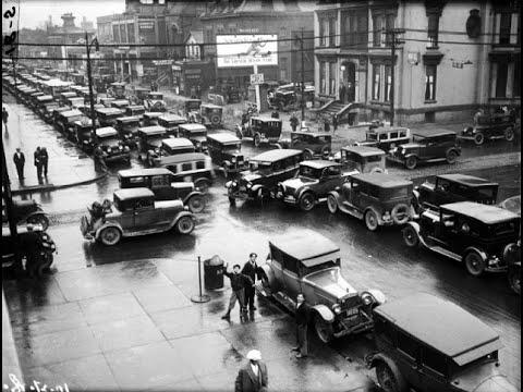 27 Amazing Photographs of Traffic Jams From the Past