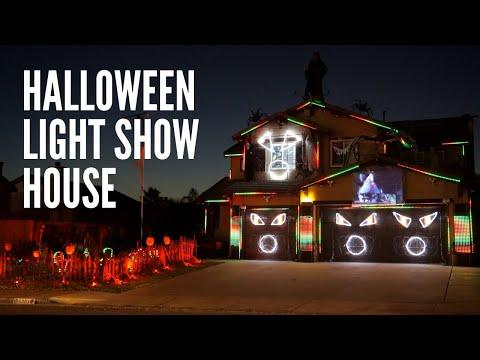 This is Halloween - Halloween Light Show House Video 2020 Riverside, CA