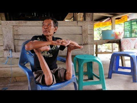The Roasted Chicken Performed By Contortionist Grandfather