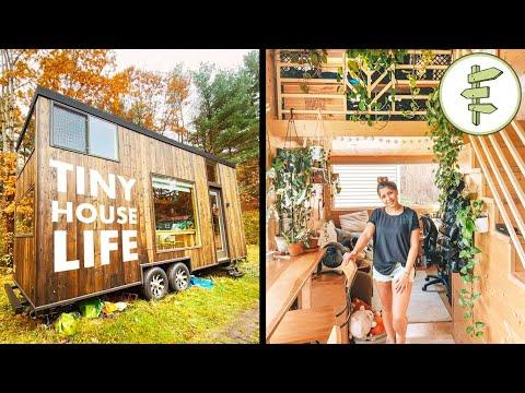 Couple Living in a Beautiful Plant-Filled 25' Long Tiny House #Video - FULL TOUR