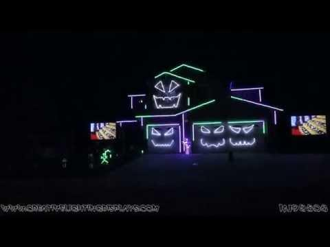 Halloween Light Show 2015 - Monster Mash (Bobby Pickett)