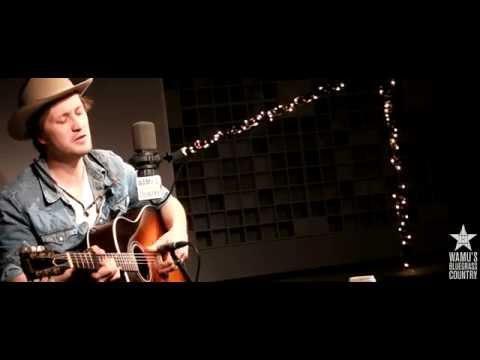 Del Barber - Big Smoke [Live At WAMU's Bluegrass Country]