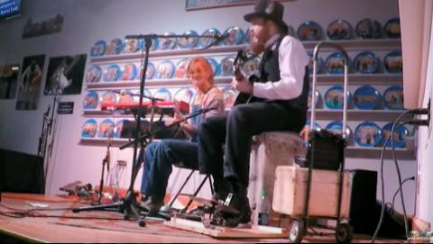 Mr. Man - Chris Rodrigues & Abby the Spoon Lady (WDVX Blue Plate)