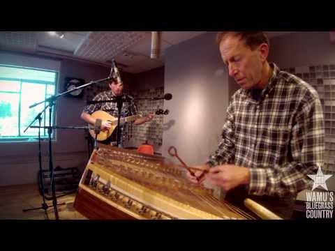 Ken & Brad Kolodner - Grub Springs [Live At WAMU's Bluegrass Country]