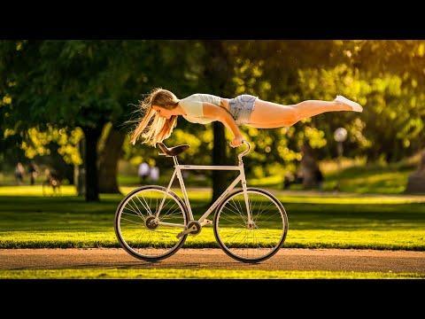 Look mum no feet! 7 cyclingtricks riding with no feet #Video