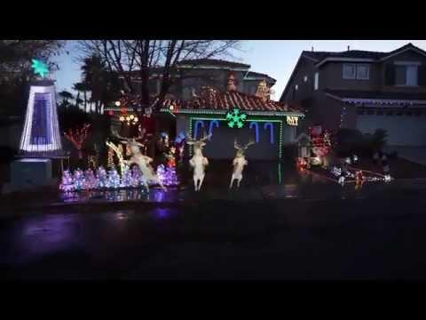 Dancing Reindeer - Synchronized Christmas Lights