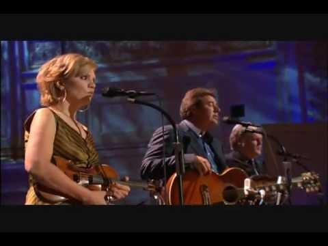 Vince Gill, Alison Krauss, Ricky Skaggs - Go Rest High On That Mountain