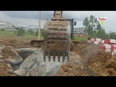 Best Excavator Digging Rock