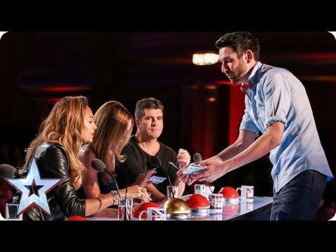 Magician Wows Judges With Amazing Card Trick