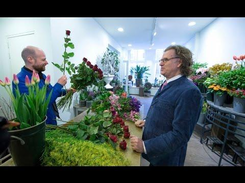 André Rieu Buys Marjorie A Valentine's Gift...