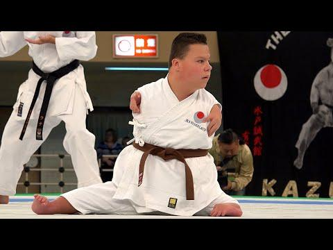 This Guy Has Great Karate Skills and Nothing Can Stop Him Video