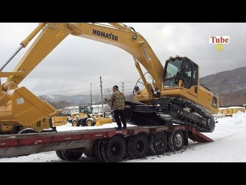 World's Excavator Climbing on Dump Truck | Unloading