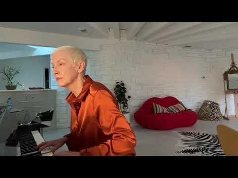Annie Lennox Video - Moonlight Sonata - Ludwig van Beethoven