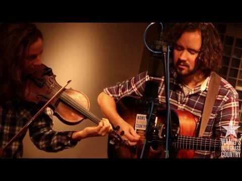 Mandolin Orange - Turtle Dove & The Crow [Live At WAMU's Bluegrass Country]