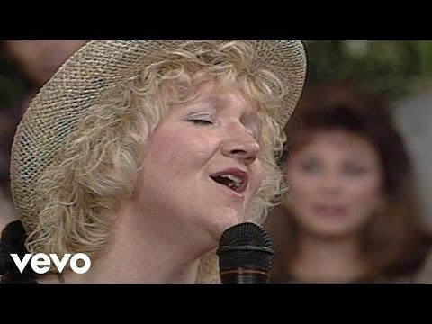 Comedian Chonda Pierce - Jesus Is All The World to Me [Live]