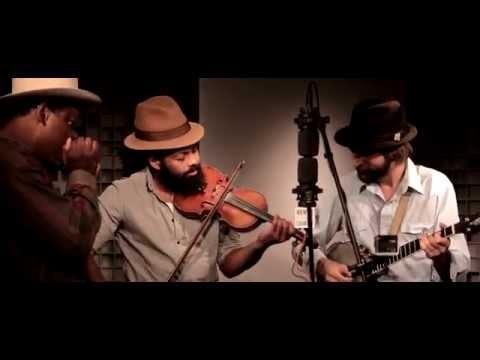 Ben Hunter & Joe Seamons W/ Phil Wiggins - Going To German [Live At WAMU's Bluegrass Country]