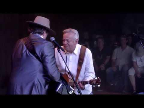 I'm On Fire [Feat. Jerry Douglas] | Collaborations | Tommy Emmanuel