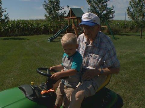 89-Year-Old Vet And Preschooler Reunite!