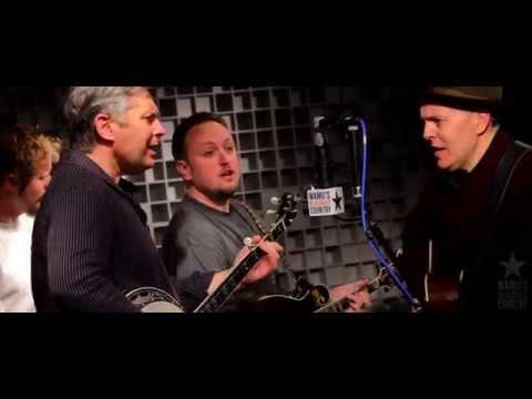 The Gibson Brothers - How Mountain Girls Can Love - Bluegrass Music