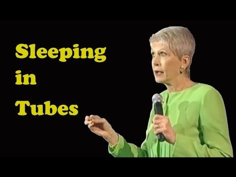 Jeanne Robertson - Sleeping In Tubes (aka: Don't Ask Left Brain To Reserve Rooms)