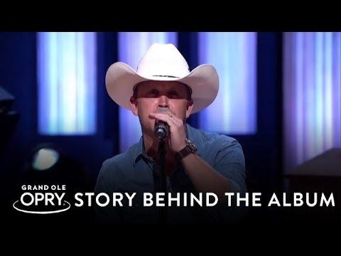 "Justin Moore - ""You Look Like I Need A Drink"" 