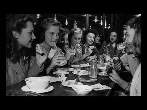 23 Wonderful Vintage Photos Video Showing Everyday Life of American Teenage Girls in the 1940s