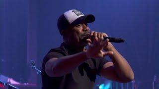 Darius Rucker walks a country mile