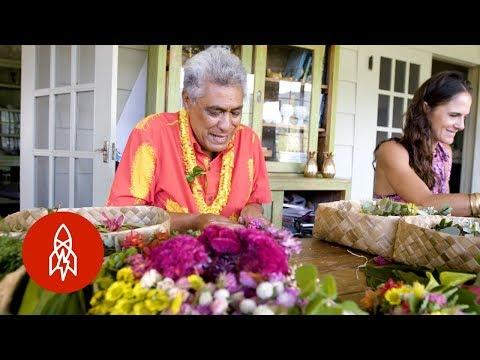 Hawaii's Long Legacy of Lei Making