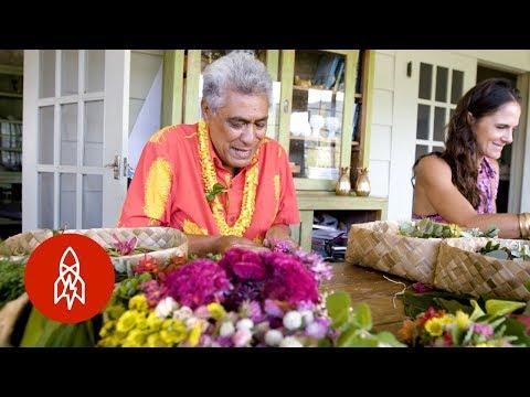 Hawaii's Long Legacy of Lei Making