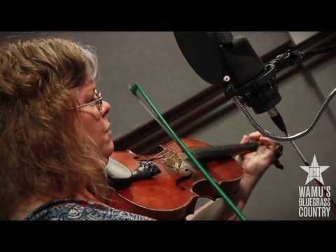 Betse Ellis - When Sorrows Encompass Me Round [Live At WAMU's Bluegrass Country]