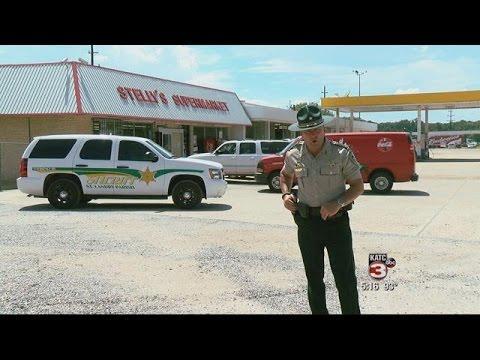 Sheriff Gives Stern Talk To Buglar