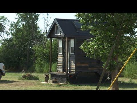 Tiny Houses (Texas Country Reporter)