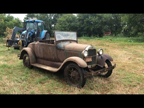 An ultimate barn Find..... it could be a 1928 Ford roadster #Video