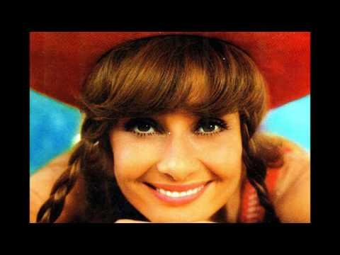 49 Beautiful Color Photos of Audrey Hepburn during the 1970s