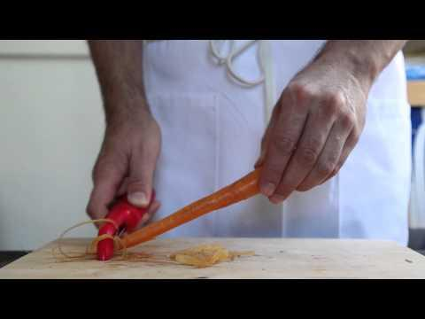 How To Peel A Carrot In 10 Seconds!