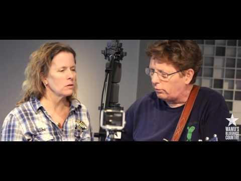 Tim O'Brien, Old Man Luedecke & Jan Fabricius - The Water Is Wise [Live At WAMU's Bluegrass Country]