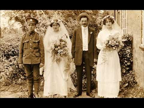 33 Wonderful Vintage Photos Showing Wartime Wedding of Soldiers From World War 1