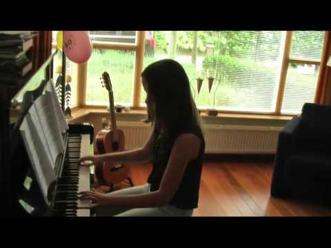 Dutch Girl Plays Downton Abbey On Piano