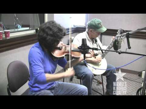Walt Koken & Clare Milliner - The Hog Went Through The Fence [Live At WAMU's Bluegrass Country]