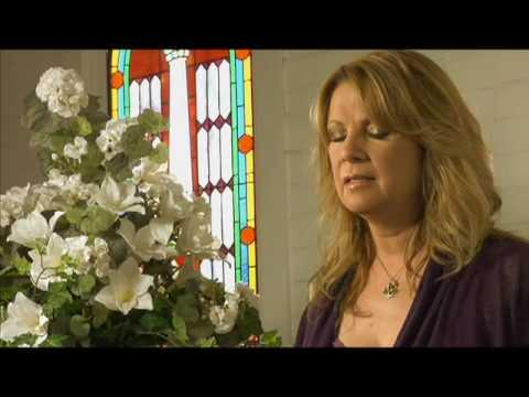 Patty Loveless Sings A Diamond In My Crown