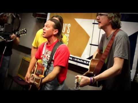 Walt Wilkins & The Mystiqueros - It's Only Rain [Live At WAMU's Bluegrass Country]
