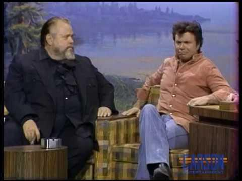 Orson Welles and Robert Blake trade jabs with each other, on The Tonight Show Starring Johnny Carson