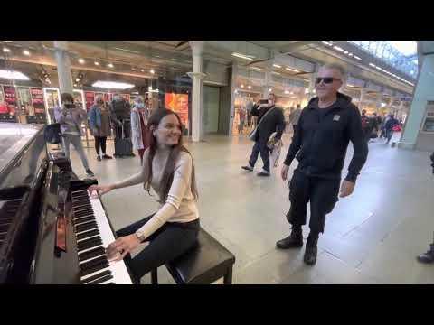 Boogie Woogie Queen Rocks The Public Piano #Video