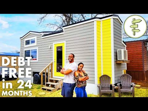 Couple Pays Off $125K Debt While Living in a Tiny House!