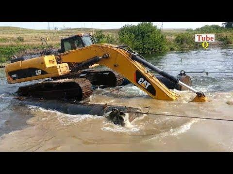 Dangerous Excavator at work And Loading Heavy Equipment